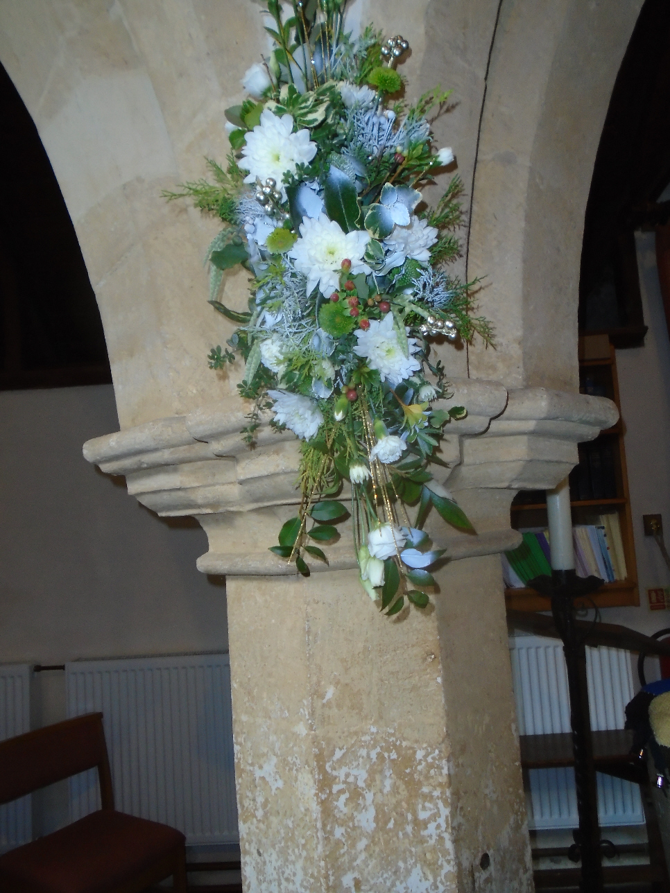 Christmas Flowers Willersey Church 2019 07