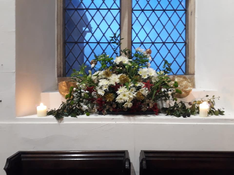 Christmas Flowers Willersey Church 2019 11