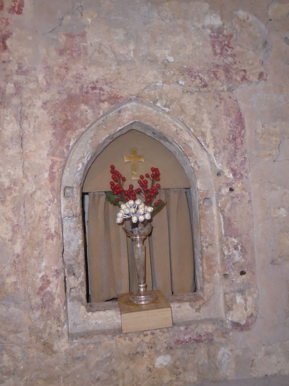 Christmas Flowers Willersey Church 2019 15