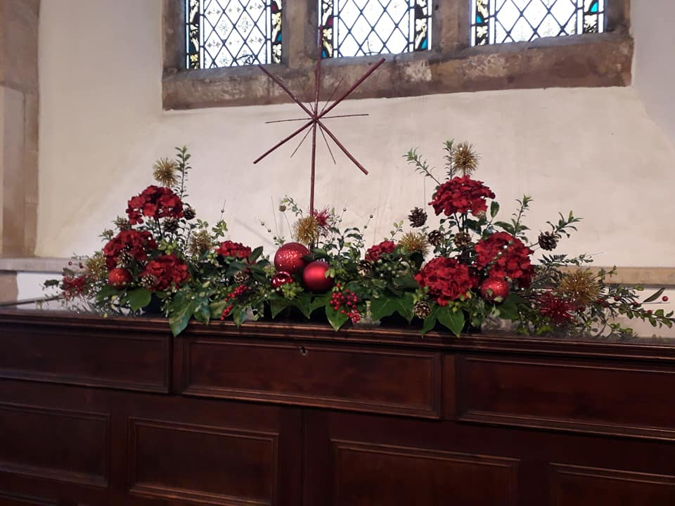 Christmas Flowers Willersey Church 2019 16