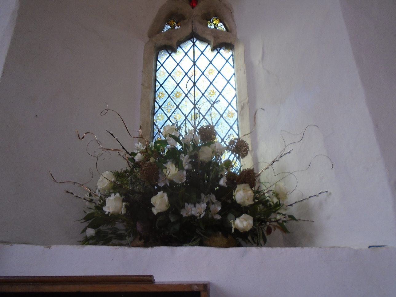 Christmas Flowers Willersey Church 2019 20