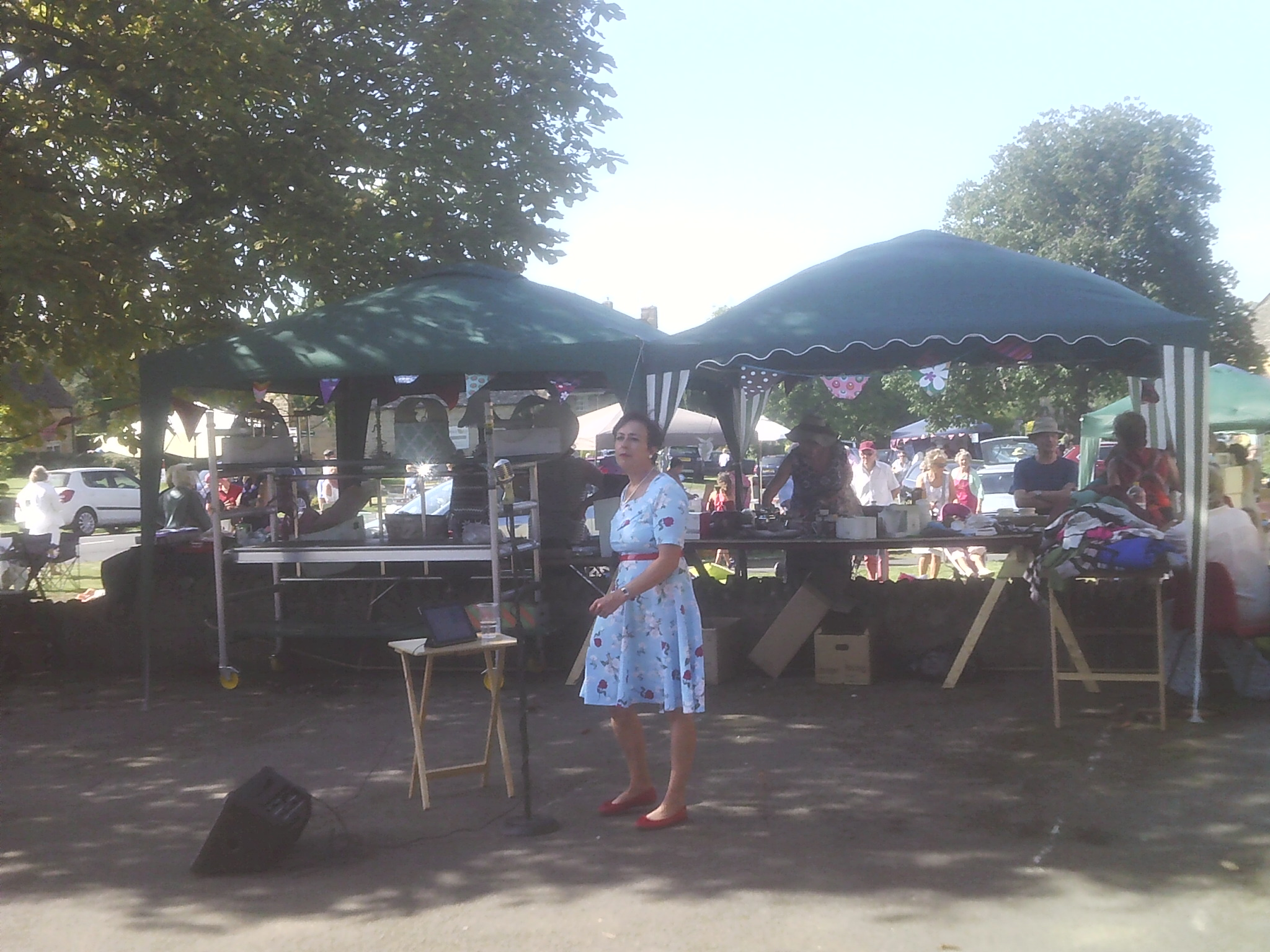 Ruby Lamont singing at the Willersey Show
