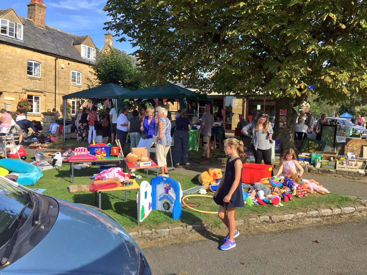 Bright sunny stalls in Willersey Show