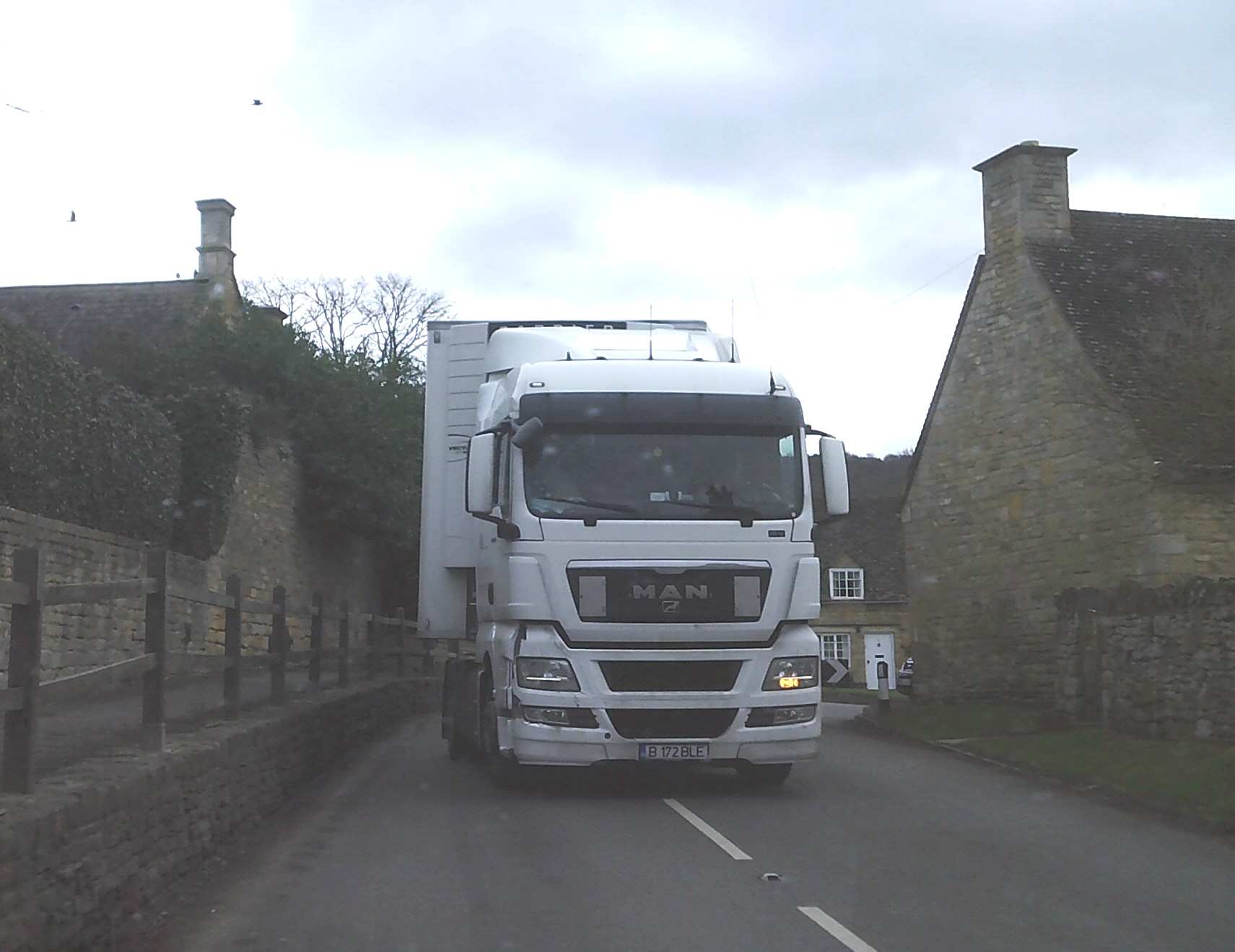 Lorry at The Gables Willersey