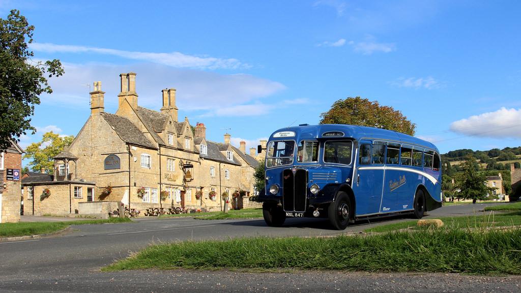 Veteran bus in Willersey